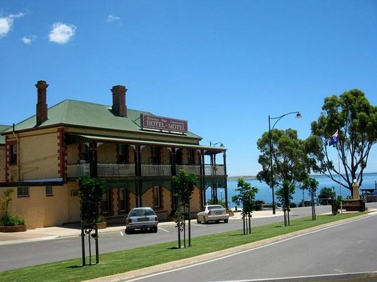 Streaky Bay Hotel - Accommodation Daintree