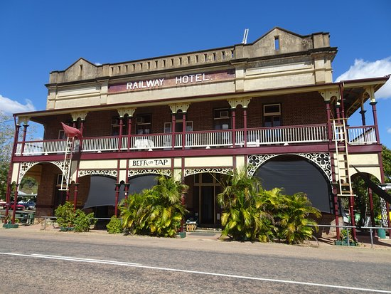 Railway Hotel Pub - Accommodation Daintree