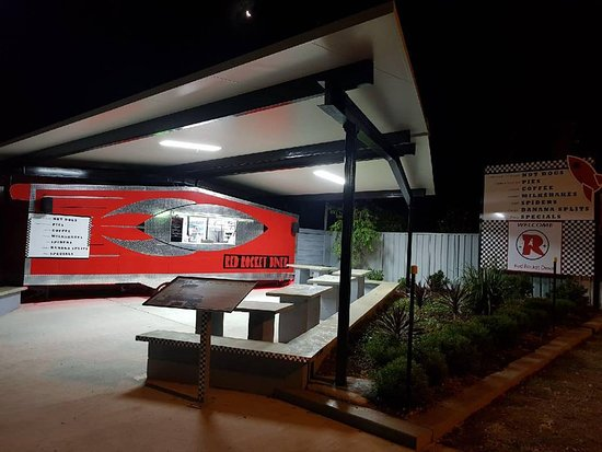 Red Rocket Diner - Accommodation Daintree
