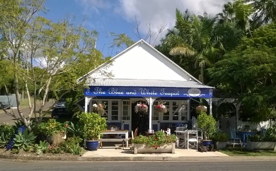 The Blue and White Teapot Cafe - Accommodation Daintree