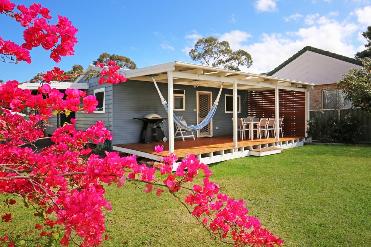 Hayes Beach House - Jervis Bay - Pet Friendly - Accommodation Daintree