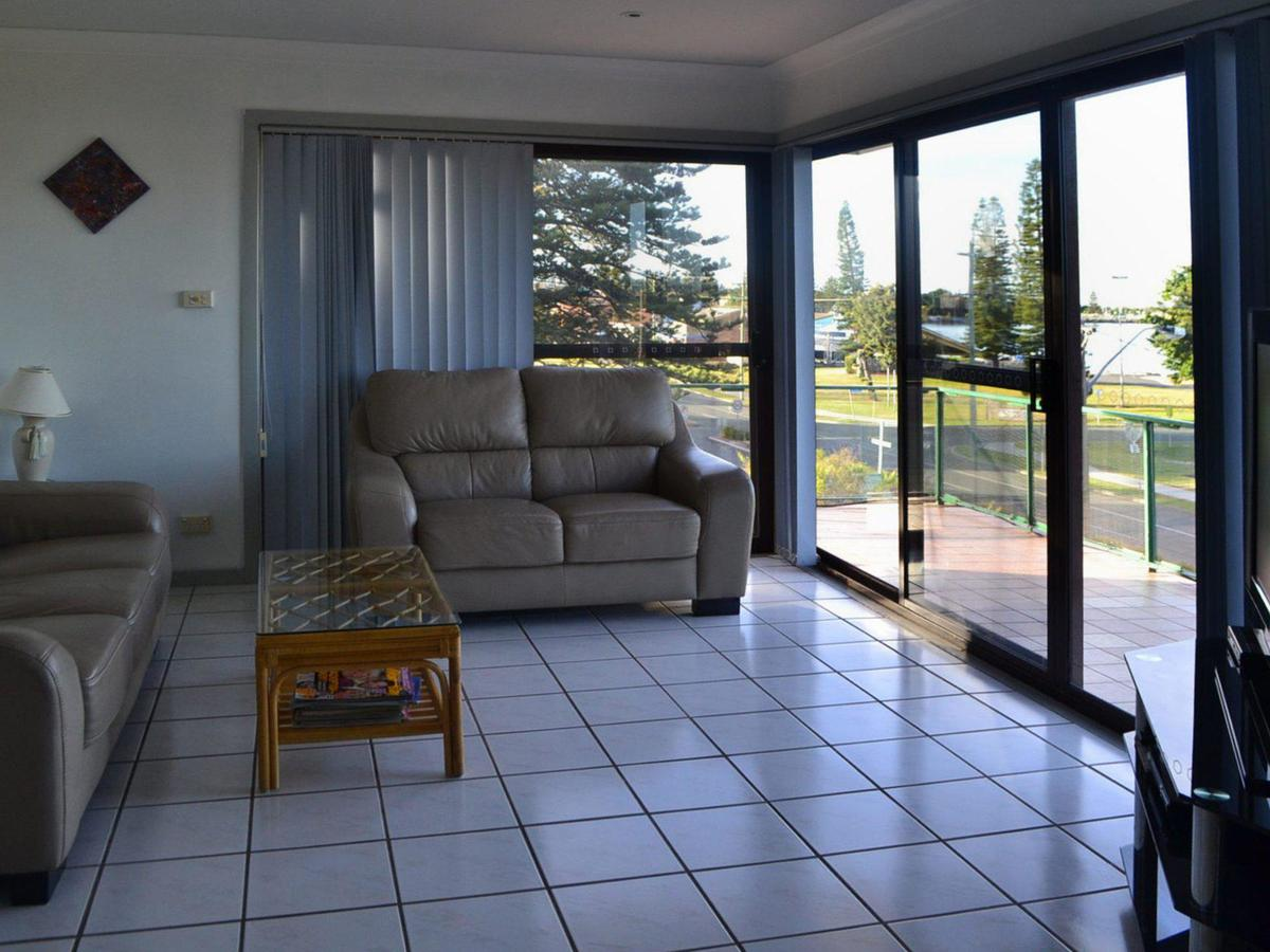 Oxley 8 at Tuncurry - Accommodation Daintree