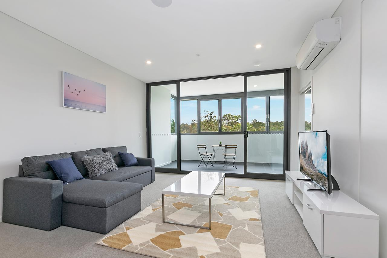 Stylish and Neat two bed apartment in Wentworth Point - Accommodation Daintree