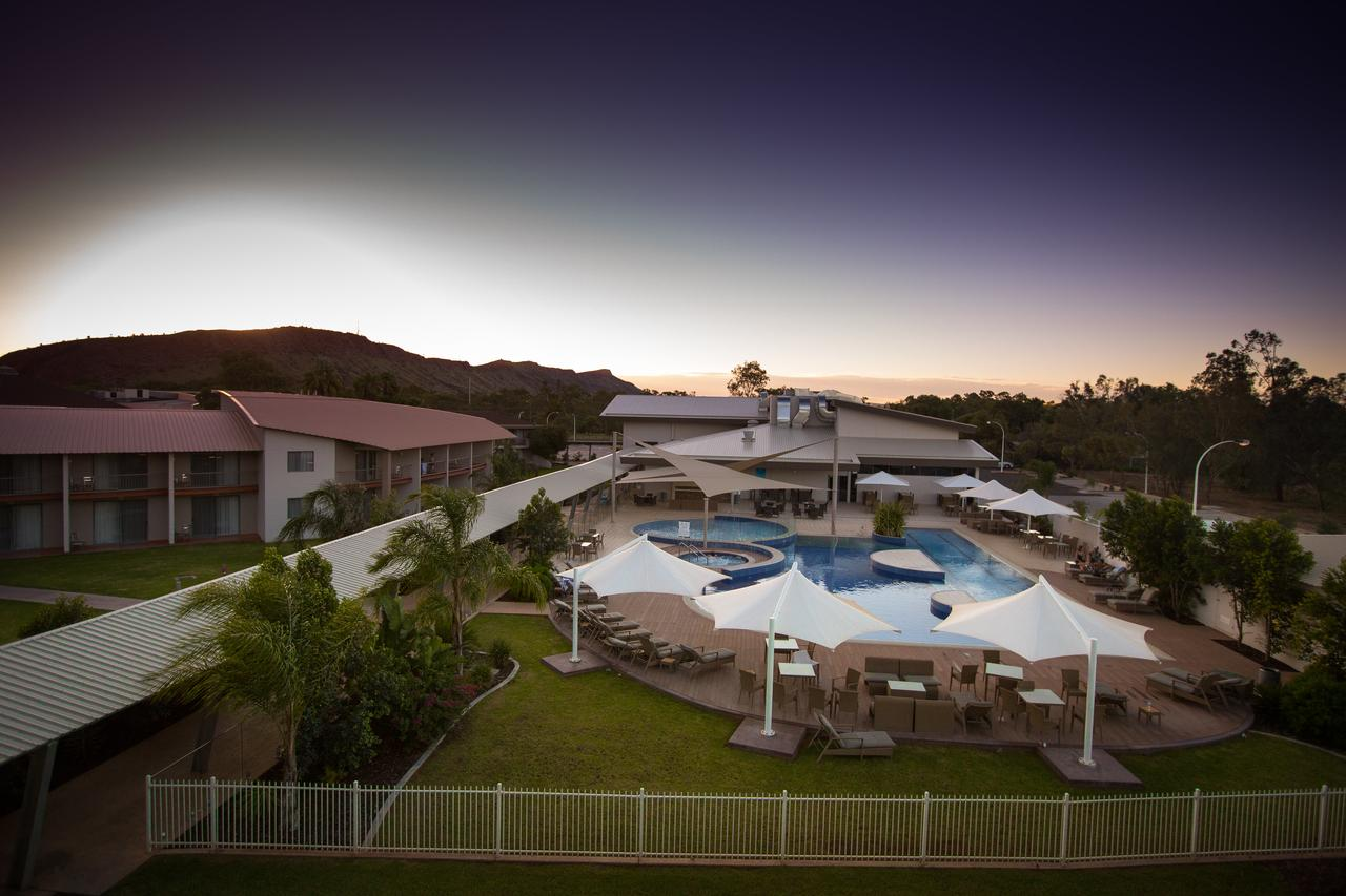 Crowne Plaza Alice Springs Lasseters - Accommodation Daintree