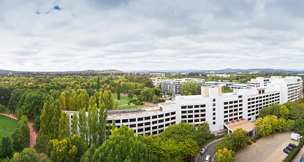 Crowne Plaza Canberra - Accommodation Daintree