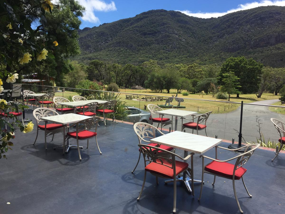 The Grampians Motel and The Views Bar  Restaurant - Accommodation Daintree