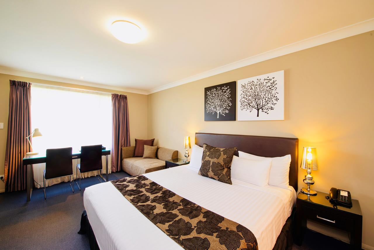Best Western Plus Ambassador On Ruthven Motor Inn - Accommodation Daintree